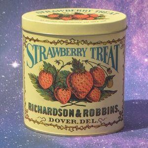 Richardson & Robbins Strawberry Treat Tin